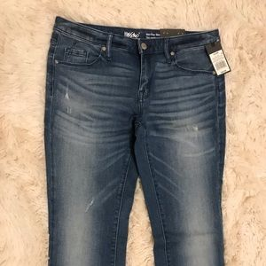 Pants - NEW WITH TAGS WOMEN'S JEANS👖